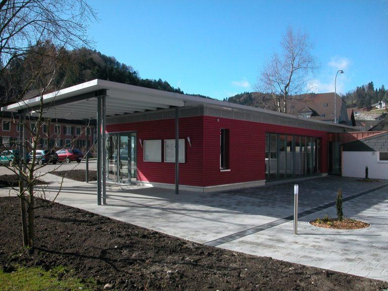 Pfarreisaal Menznau, Aussenansicht